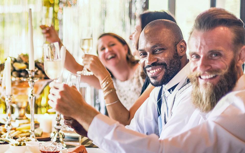 Medewerkers aan een zakelijk diner van CHEFSTBL